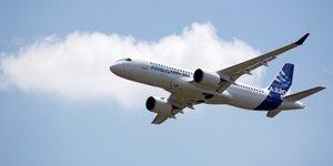 Airbus rebaptise le cseries a220 et lui promet une forte demande