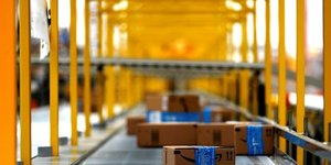 Amazon devoile des previsions pour les fetes inferieures aux attentes
