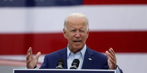 Biden accuse trump d'avoir trahi les americains sur le coronavirus