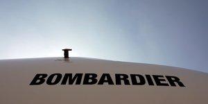 Bombardier dit etudier toutes les options pour ses avions crj