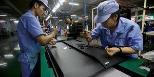 Chine: ralentissement du declin des prix a la production en decembre