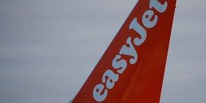 Easyjet immobilise tous ses avions pour une duree indeterminee