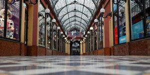 France: les commerces autorises a ouvrir jusqu& 39 a 21h00 des samedi