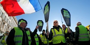 """gilets jaunes"": aux revendications, l'executif repond evaluations"