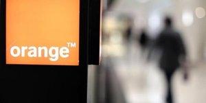 Groupama et orange veulent seduire deux millions de clients dans la banque en ligne