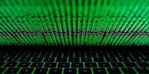 L'equipe macron confirme avoir ete la cible de cyber-attaques