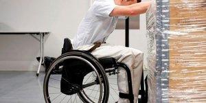 Le gouvernement renonce a une reforme sur l'epargne des handicapes