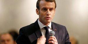 Macron determine a appliquer un bonus-malus sur les contrats courts