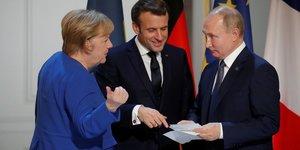Macron, merkel et poutine ont discute d'eventuelles cooperations sur les vaccins