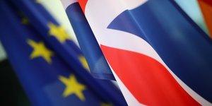 """Nouvelle semaine decisive pour le brexit, """"nous ne sommes pas tres optimistes"""", dit un diplomate de l'ue"""