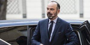 """Philippe """"determine"""" sur les regimes speciaux et l'equilibre"""