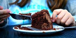 Profit, se gaver, manger, nourriture, gâteau, cake.