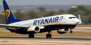 Ryanair releve sa prevision de trafic annuel, perte au t1 moins importante que prevu