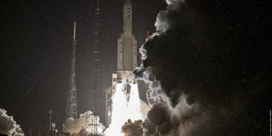 SES ministEre des ArmEes Ariane 5 Arianespace