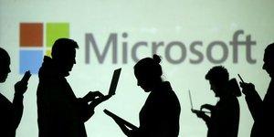 """Union europeenne: enquete sur l'utilisation des services """"cloud"""" d'amazon et microsoft"""